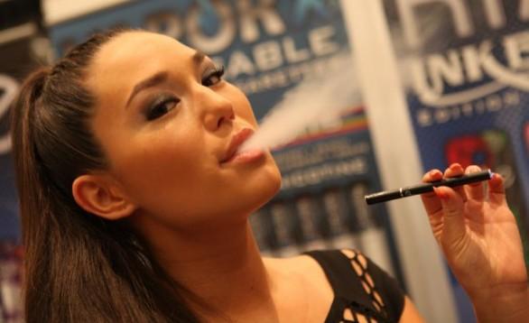 Sigarette elettroniche, a rischio settore in crescita